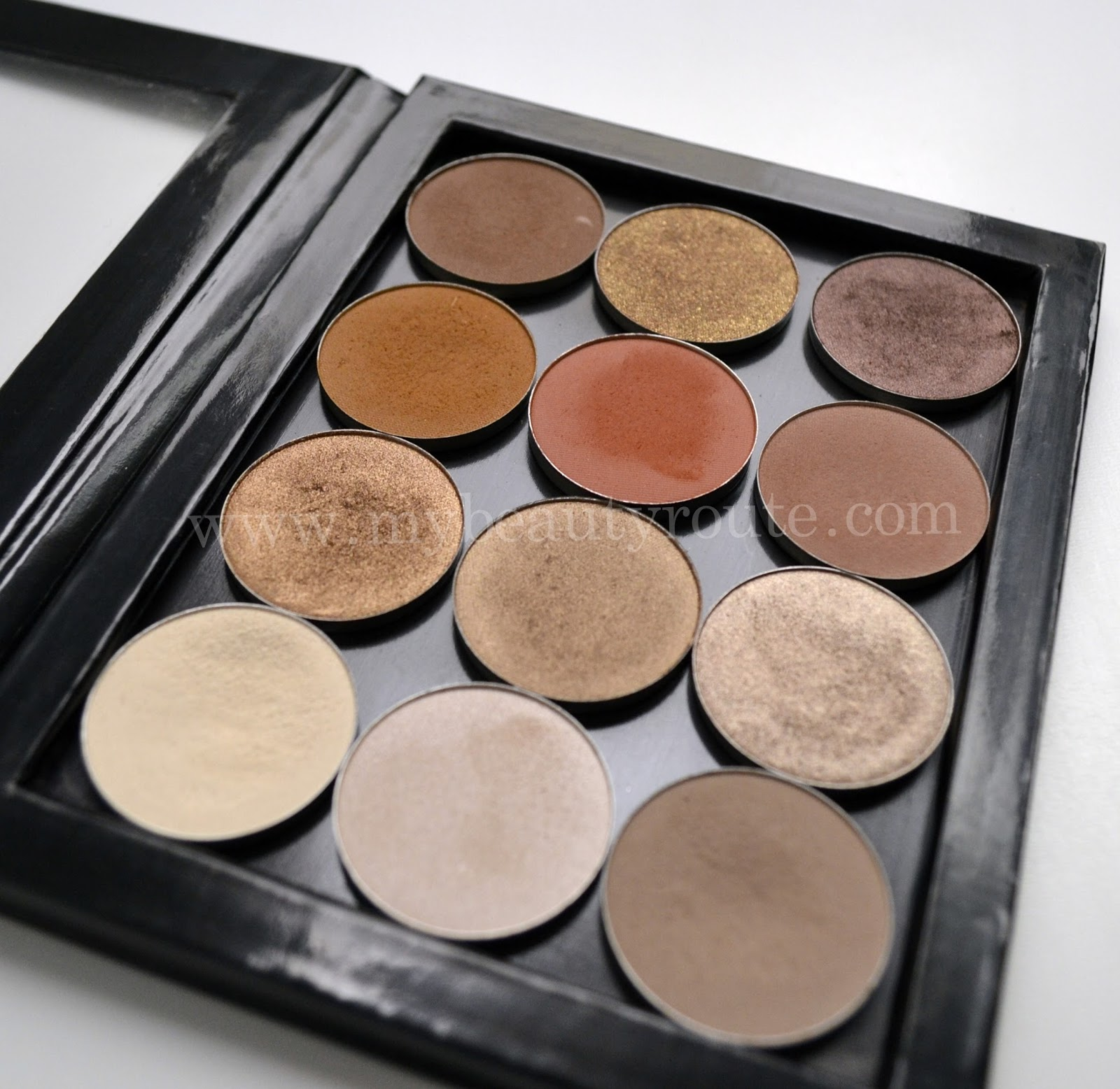 Otra perspectiva paleta sombras de maquillaje tonos neutros Nabla cosmetcis