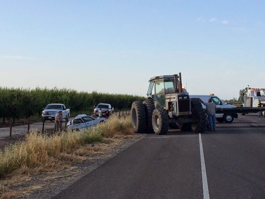 fresno kings county highway 41 car semi tractor crash one killed lemoore