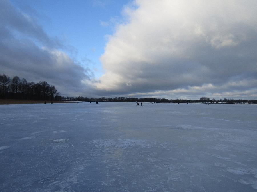 озеро Воронь зимой
