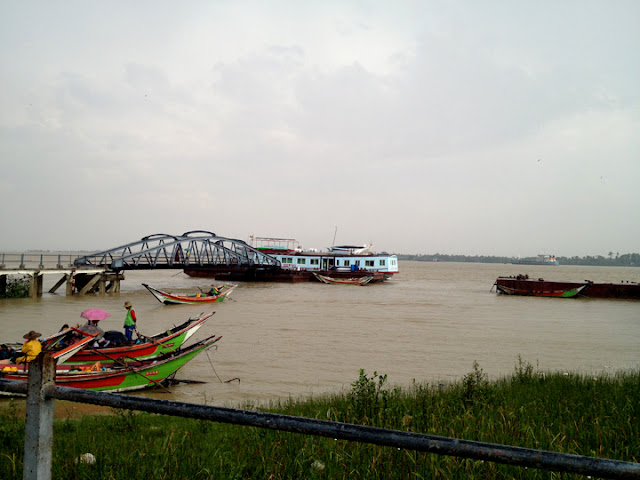 bowdywanders.com Singapore Travel Blog Philippines Photo :: Myanmar :: Yangon River - An Iconic River in Mynamar