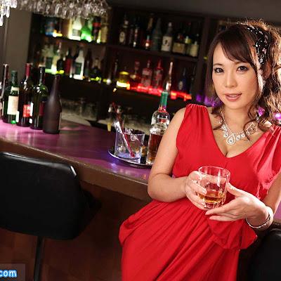 Ảnh sex cô chủ quán bar Ann Takase và đám nhân viên