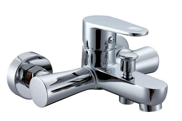 خلاطات مياه الحمامات والمطابخ