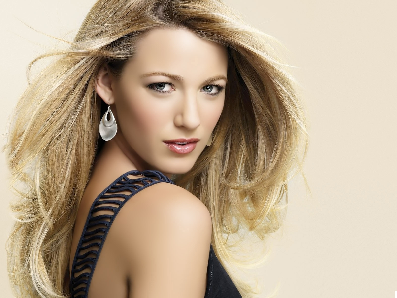 Blake Lively HD New wallpapers 2012   All Hollywood Stars