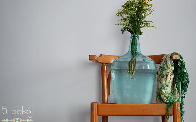 Krzesło szwedzkie wychodzi z cienia (i z kadru) - CZYTAJ DALEJ