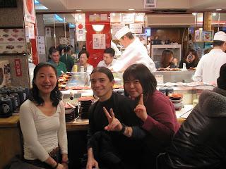 Con Taeko y Akemi en el Sushi!