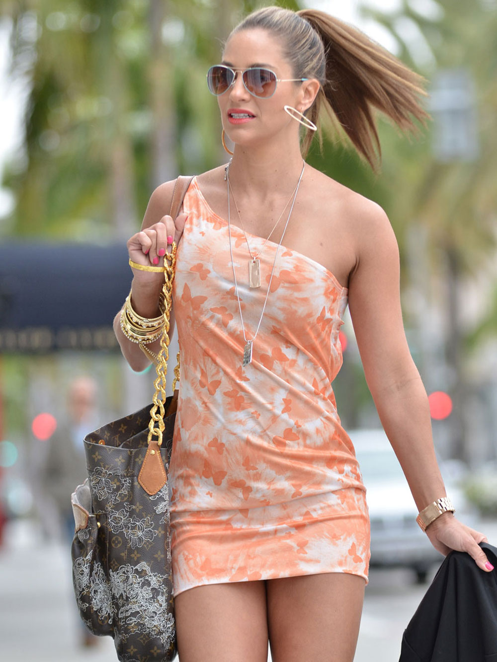 Jennifer Nichole Lee in Leggy Candids out Shopping with hot sunglasses in Beverly Hills
