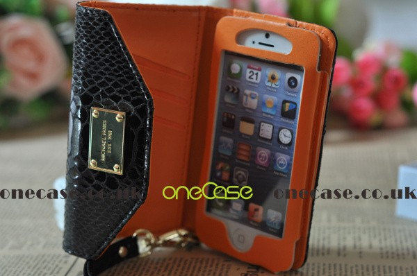 Fashion Iphone 5 Case Michael Kors Iphone 5 Case Safeguards Your Iphone 5 Within A Premium Leather Designer Clutch Wallet