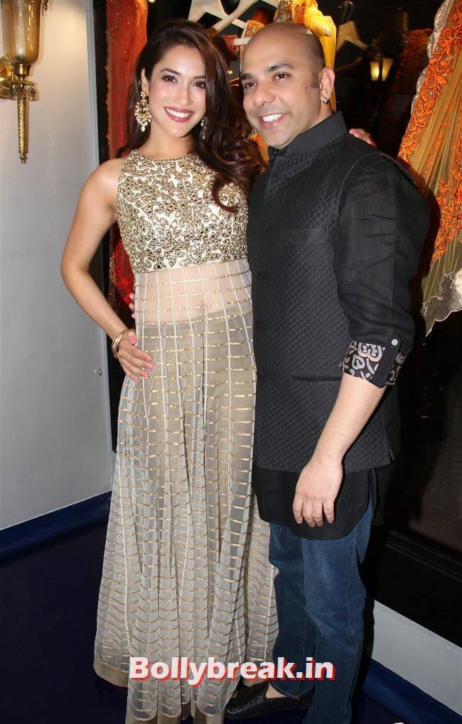 Rashmi Nigam and Fashion designer Mayyur Girotra, Celebs at Opening of Mayyur Girotra Couture