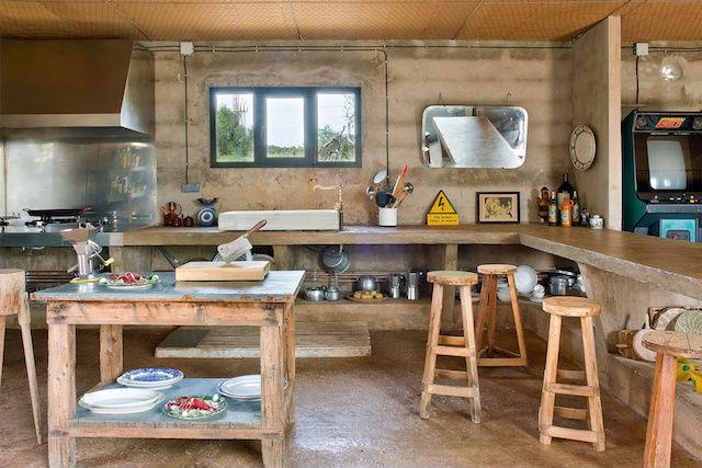 cocina rústica con elementos reciclados