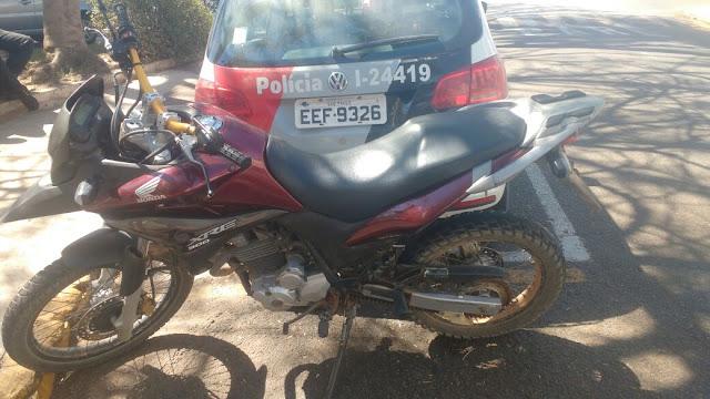 Indivíduo é preso com motocicleta roubada no bairro Areião em Pinhal