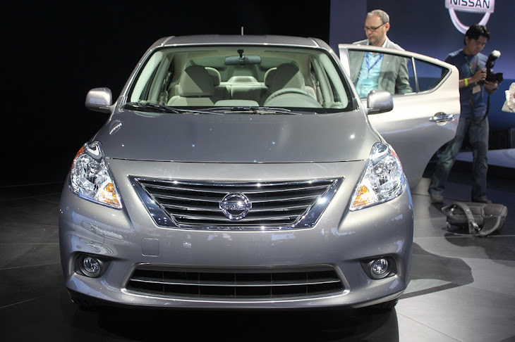 Car Overview: 2013 Nissan Versa