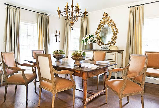 Traditional decor in dining room with interior design by Eleanor Cummings