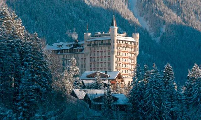 Pour votre voyage Suisse, comparez et trouvez un hôtel au meilleur prix.  Le Comparateur d'hôtel regroupe tous les hotels Suisse et vous présente une vue synthétique de l'ensemble des chambres d'hotels disponibles. Pensez à utiliser les filtres disponibles pour la recherche de votre hébergement séjour Suisse sur Comparateur d'hôtel, cela vous permettra de connaitre instantanément la catégorie et les services de l'hôtel (internet, piscine, air conditionné, restaurant...)