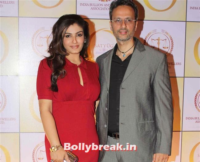 Raveena Tandon with her husband Anil Thadani, Shilpa Shetty, Geeta Basra & Raveena Tandon Sizzle at Satyug Gold Launch