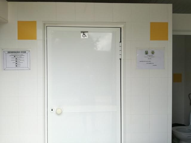 Interior casa de banho da praia de Cornicovo