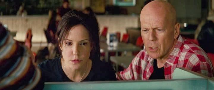 Screen Shot Of Red 2 (2013) English Movie 300MB Short Size PC Movie