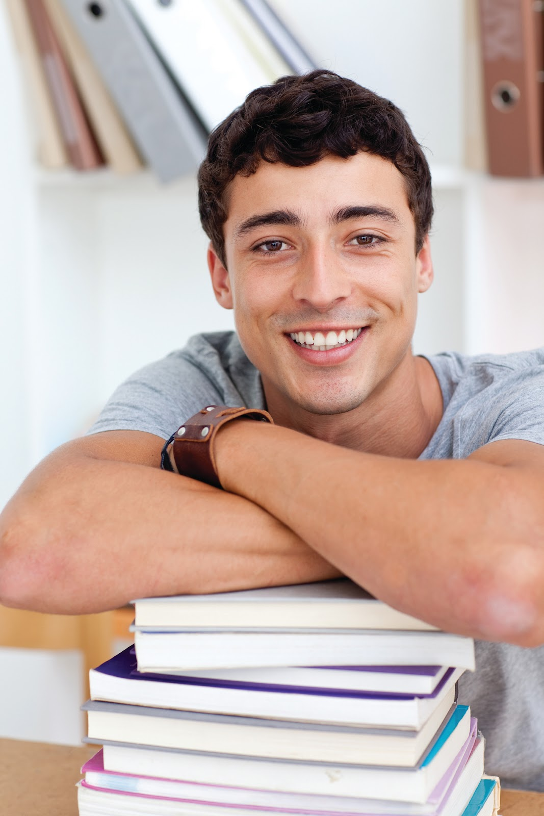 examples of essays for college scholarships