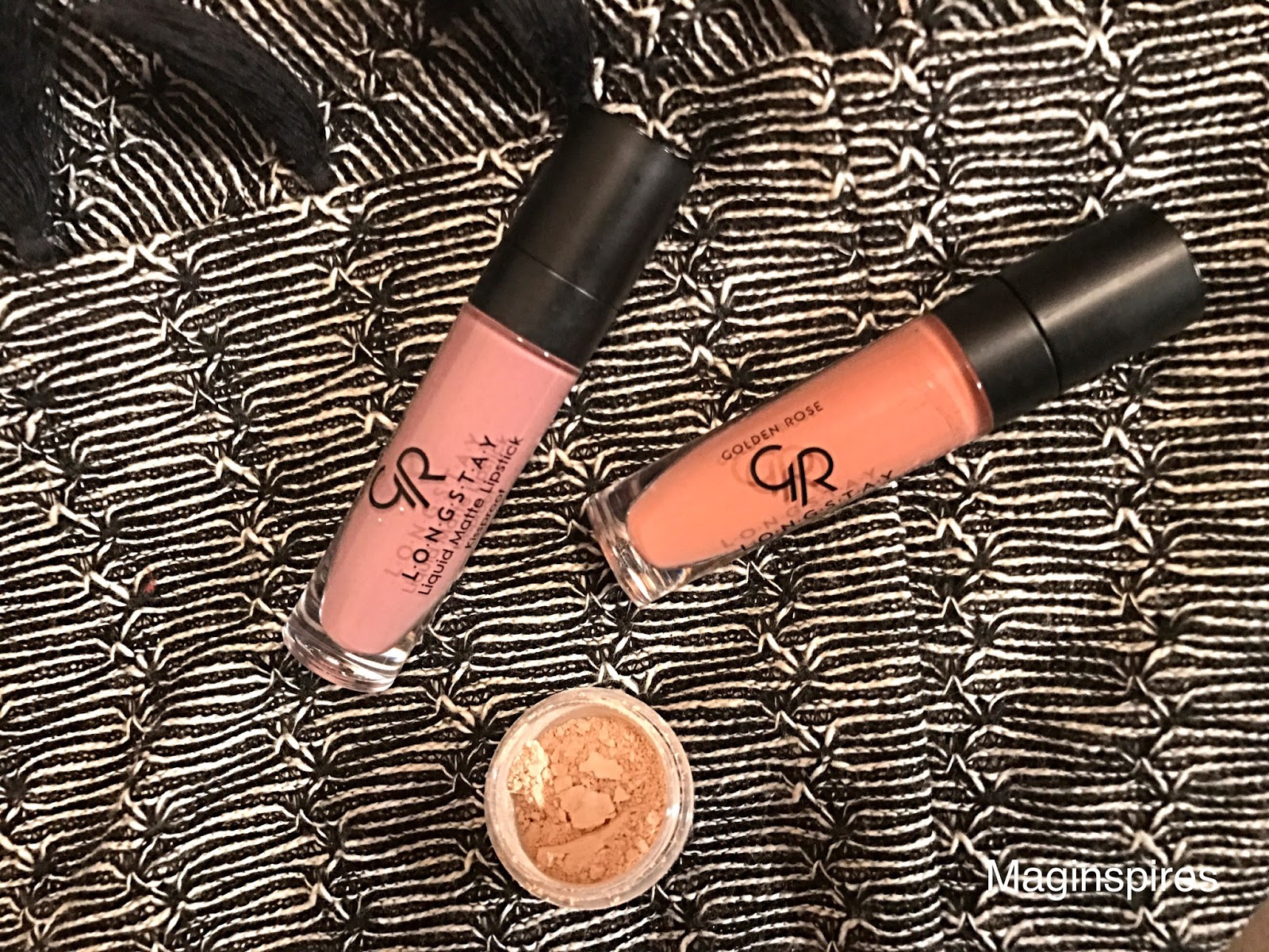 Golden Rose Longstay Liquid Matte Lipstick: Test trwałości (kolory numer 10 oraz 13)