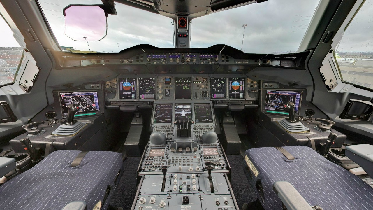 Airbus A380 800 Cockpit Layout Wideview