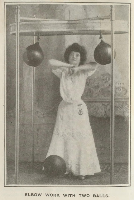 Humorous Vintage Photos of Women Boxing in Skirts and Blouses  vintage everyday