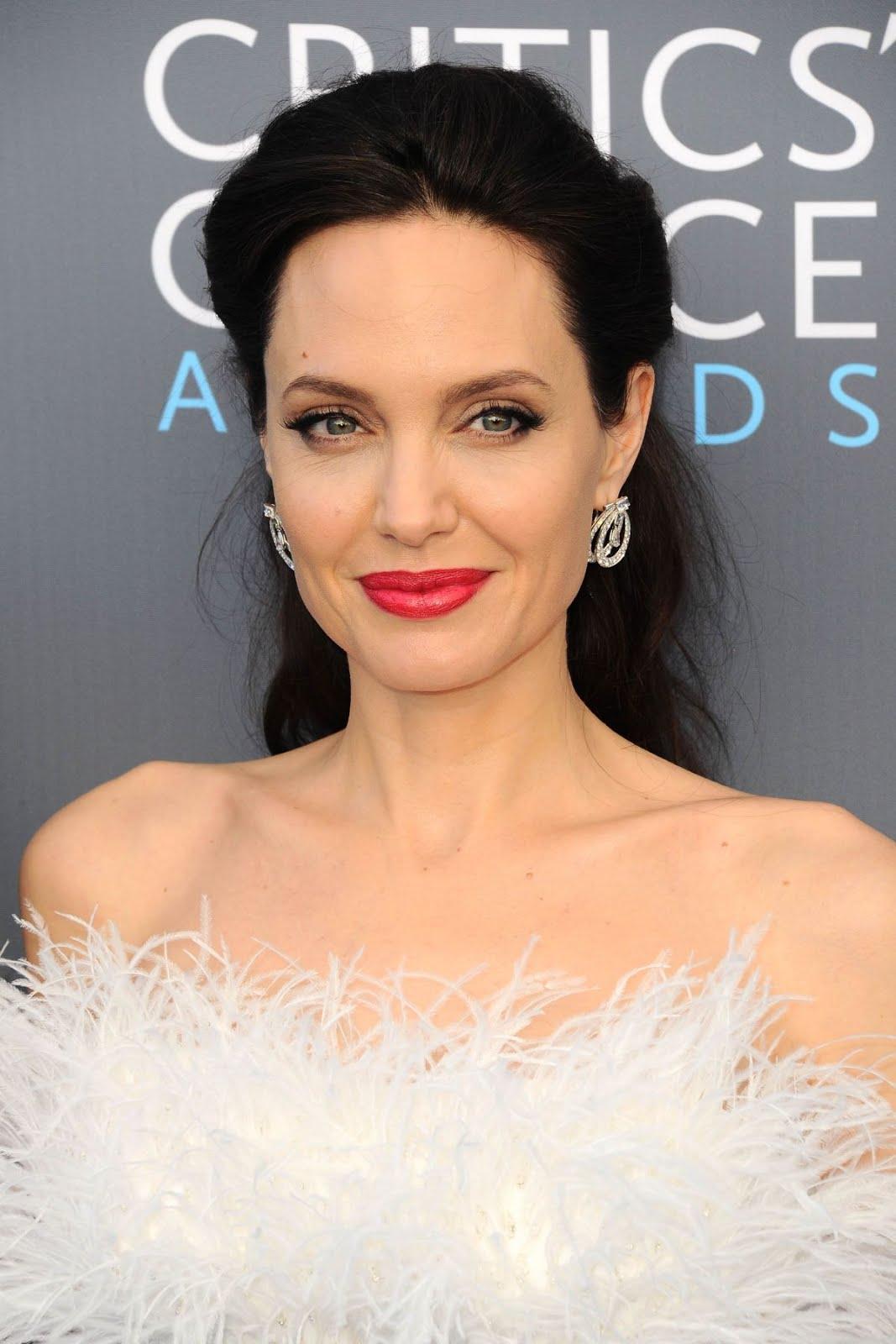 Angelina Jolie At 2018 critics Choice Awards In Santa Monica