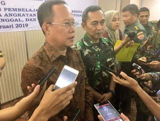 Mendikbud Suruh TNI Nagajar Untuk Atasi Kekurangan Guru