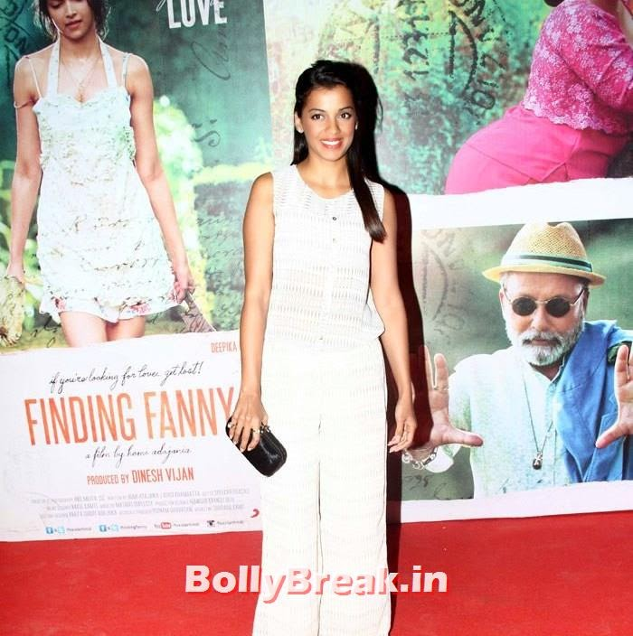 Mugdha Godse, Kangna, Mughda, Kriti attend 'Finding Fanny' Special Screening