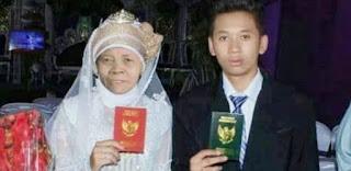 Remaja GantengNikahi Nenek-Nenek di Sumatra Utara