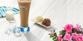 çikolatalı ve vanilyalı dondurmalı buzlu kahve, buzlu kahve yapımı, nescafe klasik, KahveKafe