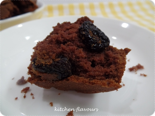 kitchen flavours: Dark-Cherry Chocolate Muffins : Bake-Along #94