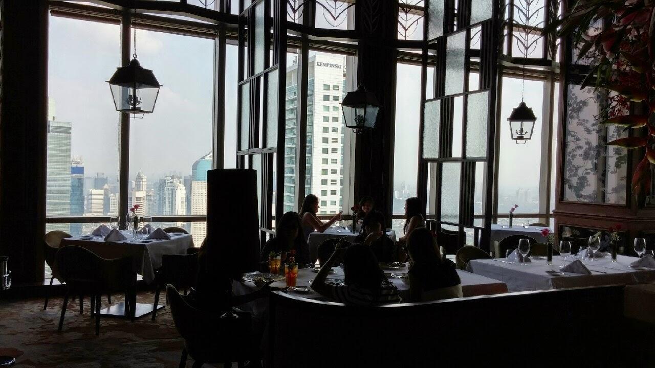 Aplikasi kami yang mudah digunakan akan menampilkan semua pilihan restoran dan tempat hiburan malam terbaik di kota anda, juga menampilkan menu, foto, dan ulasan. Makan Eat And Travel Gaia Italian Restaurant Altitude The Plaza Jakarta
