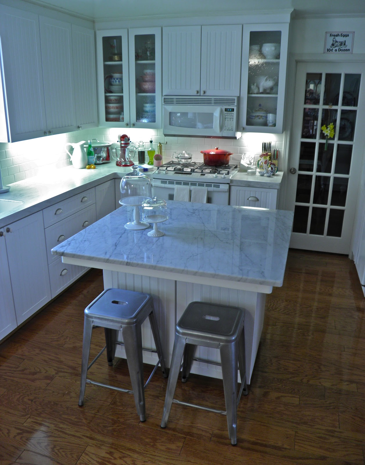 The Granite Gurus An Interview With A Carrara Marble Kitchen Owner