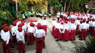 Pelaksanaan Upacara Peringatan Hari Guru Nasional SD Gumulan Tahun 2018