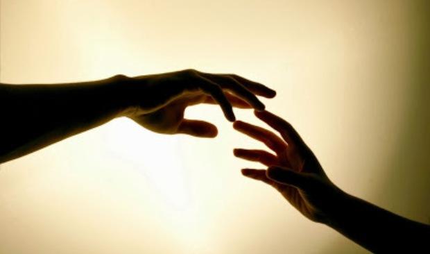 Geçmişe Uzanır Ellerim...