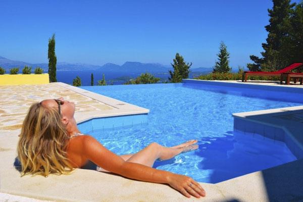 Booking Villa Akhir Tahun