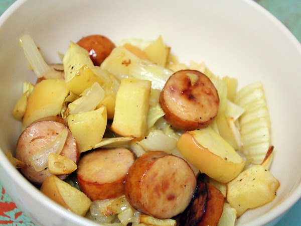 Dinner in an emergency, or before I order a pizza! (Sausage, Fennel and Apple Sheet Pan Supper)