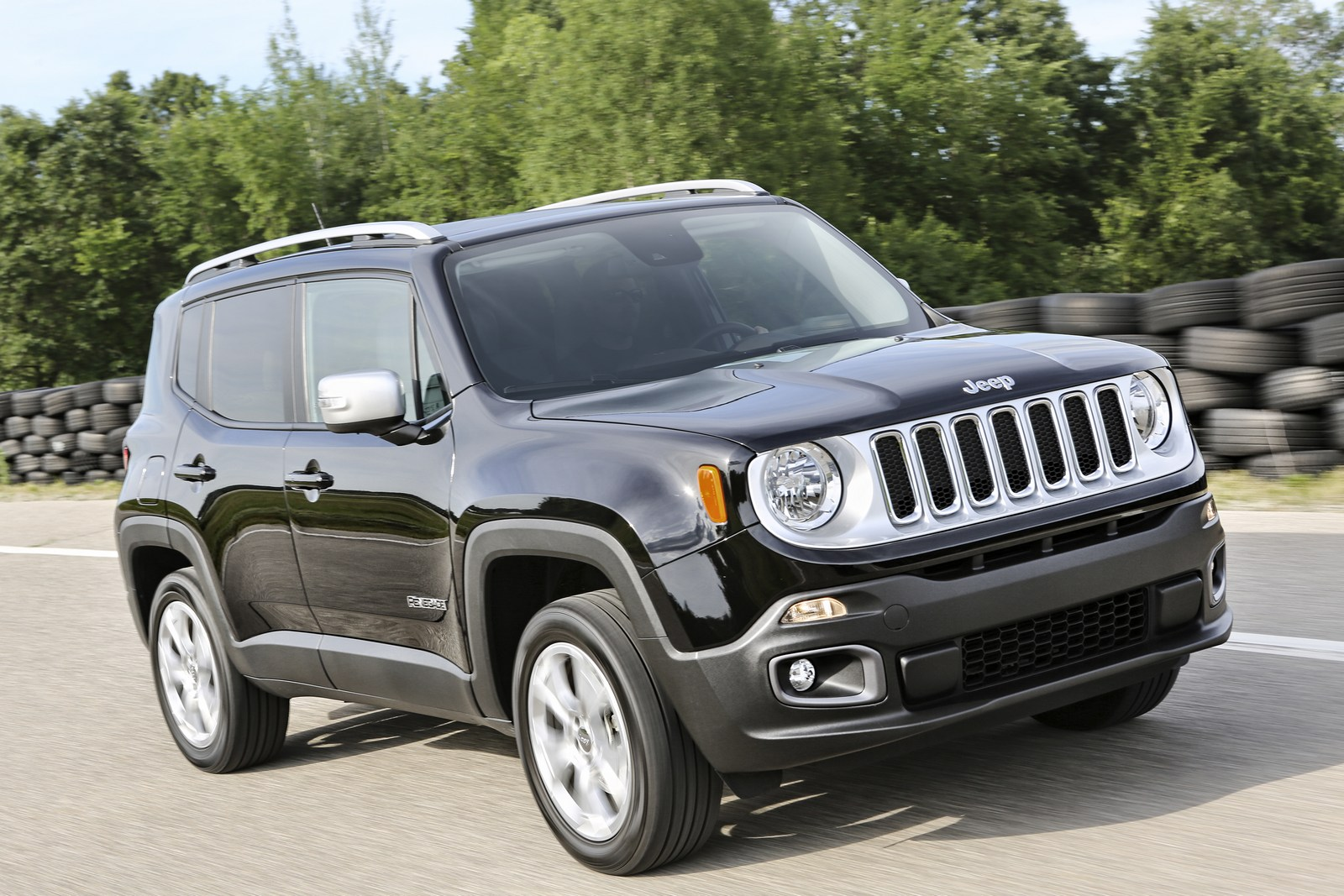 2018 Jeep Renegade Gains An Updated Interior And New ...