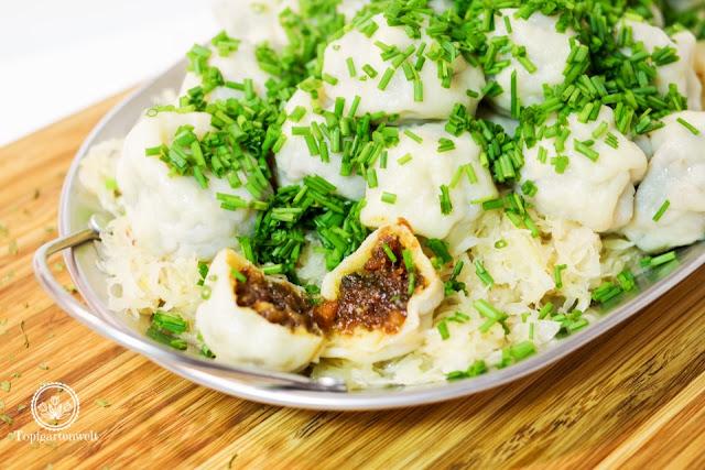 deftige Küche Innviertler Grammelknödel mit Sauerkraut - Foodblog Topfgartenwelt