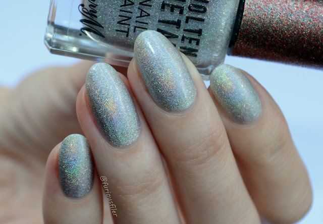 holographic lights berry m swatch