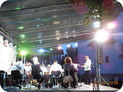 orchestra de suflatori condusa de Ivan Iliev