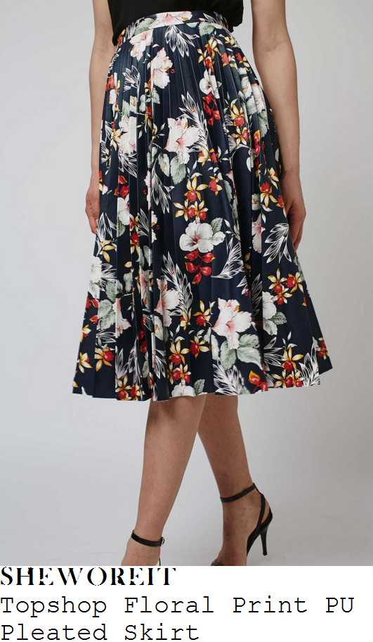 drew-barrymore-topshop-navy-blue-white-yellow-floral-print-pu-pleated-skirt