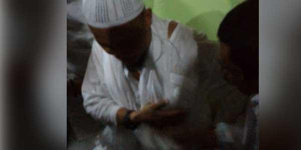 Foto-Foto Ustad Arifin Ilham Tertembak Saat Demo Damai 4 November