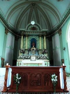 Igreja Matriz de Antônio Prado. Altar e pequena cúpula.