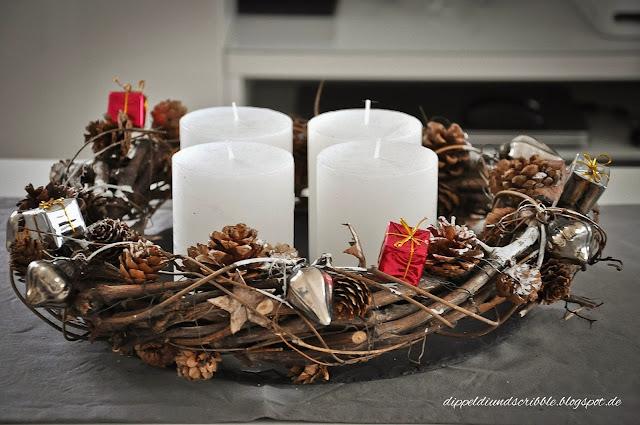 dippeldi scribble rustikaler adventskranz mit zweigen. Black Bedroom Furniture Sets. Home Design Ideas