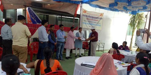 स्वच्छ भारत मिशन अभियान का काम करने के लिये आजीविका परियोजना के अमले को दिया गया प्रशिक्षण