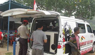 Aparatur Sipil Negara (ASN) yang bekerja di lingkungan kantor Bupati Sekadau tak perlu repot ke kantor Samsat jika ingin membayar pajak kendaraannya. Sambil masuk kantor, mereka bisa membayar pajak
