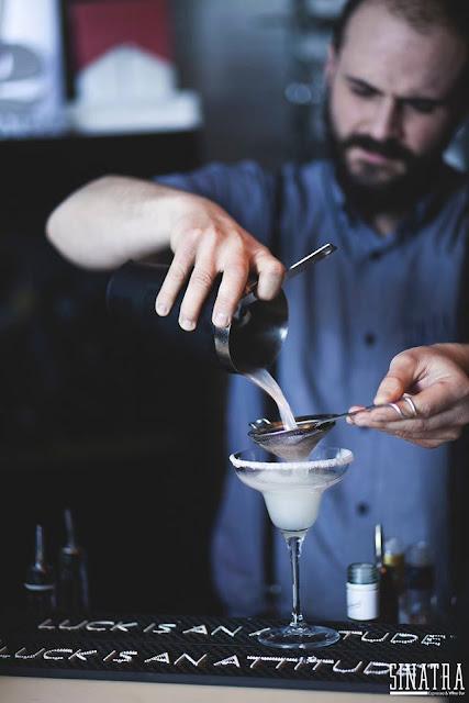 Sinatra espresso cocktail bar θεσσαλονικη
