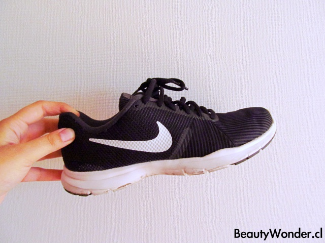 zapatillas negras nike chile