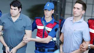 Παραμονή της Παναγίας: Ελεύθεροι οι δύο Έλληνες στρατιωτικοί μετά από 5 μήνες στις φυλακές της Αδριανούπολης