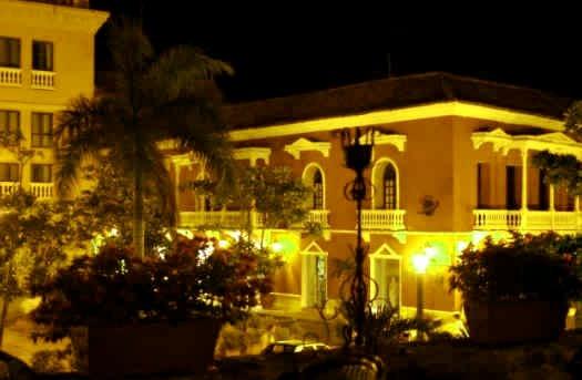 7. Hotel Centro